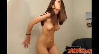 Cute Teen Rubs Her Wet Pussy and Squirts